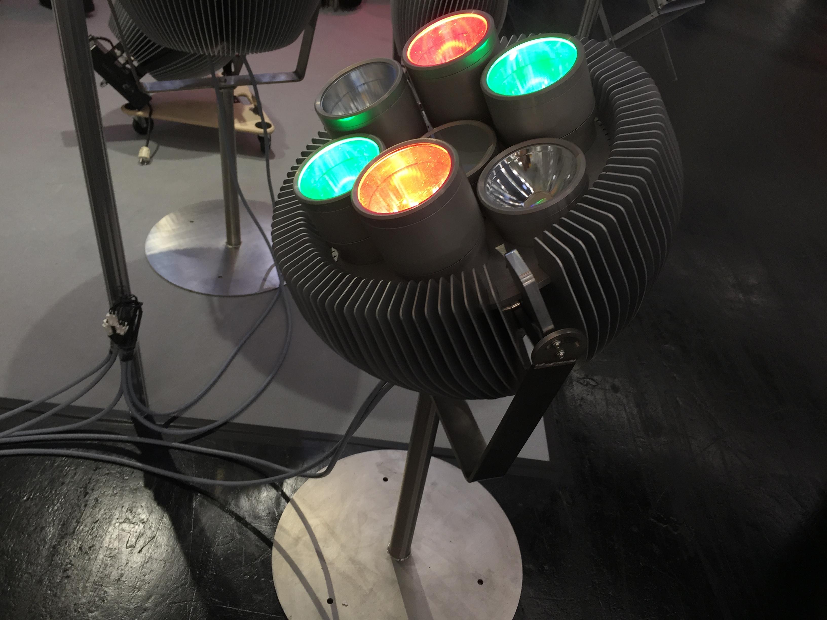1000 watt led strahler flutlichtstrahlen. Black Bedroom Furniture Sets. Home Design Ideas