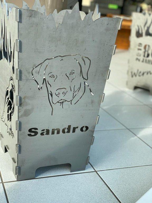 Gravur Stahl Feuerkorb Hund mit indiv
