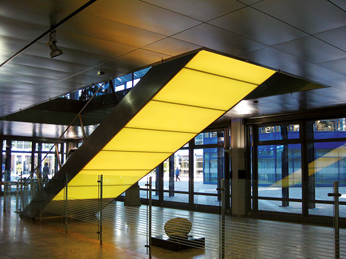 Designpanel-Lightpanel-original-bayern-lb-bank-treppe-04